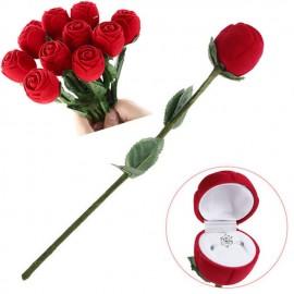 Czerwona róża piękne pudełeczko na pierścionek